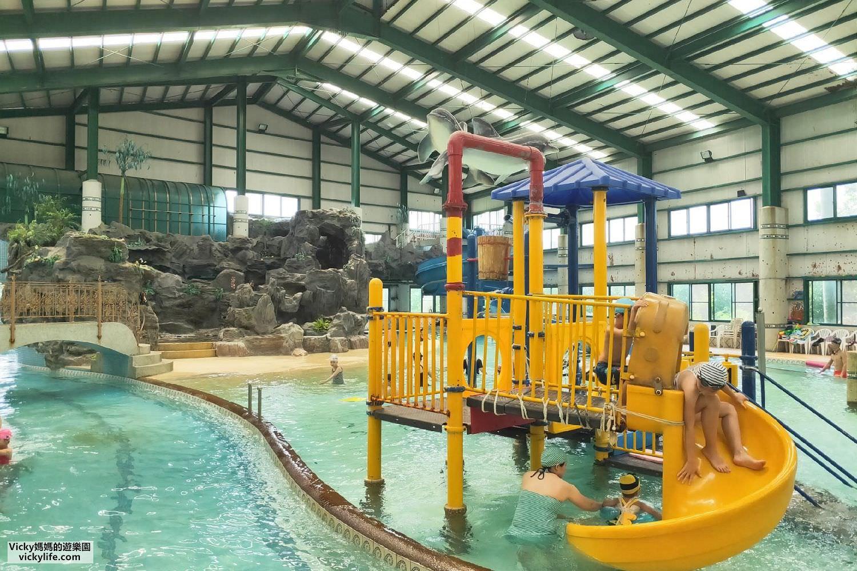 台南玩水︱漂漂河、螺旋式滑水道、水中溜滑梯、大瀑布,免曬太陽的室內水上樂園,盡在歸仁新嘉年華游泳池,只到九月底