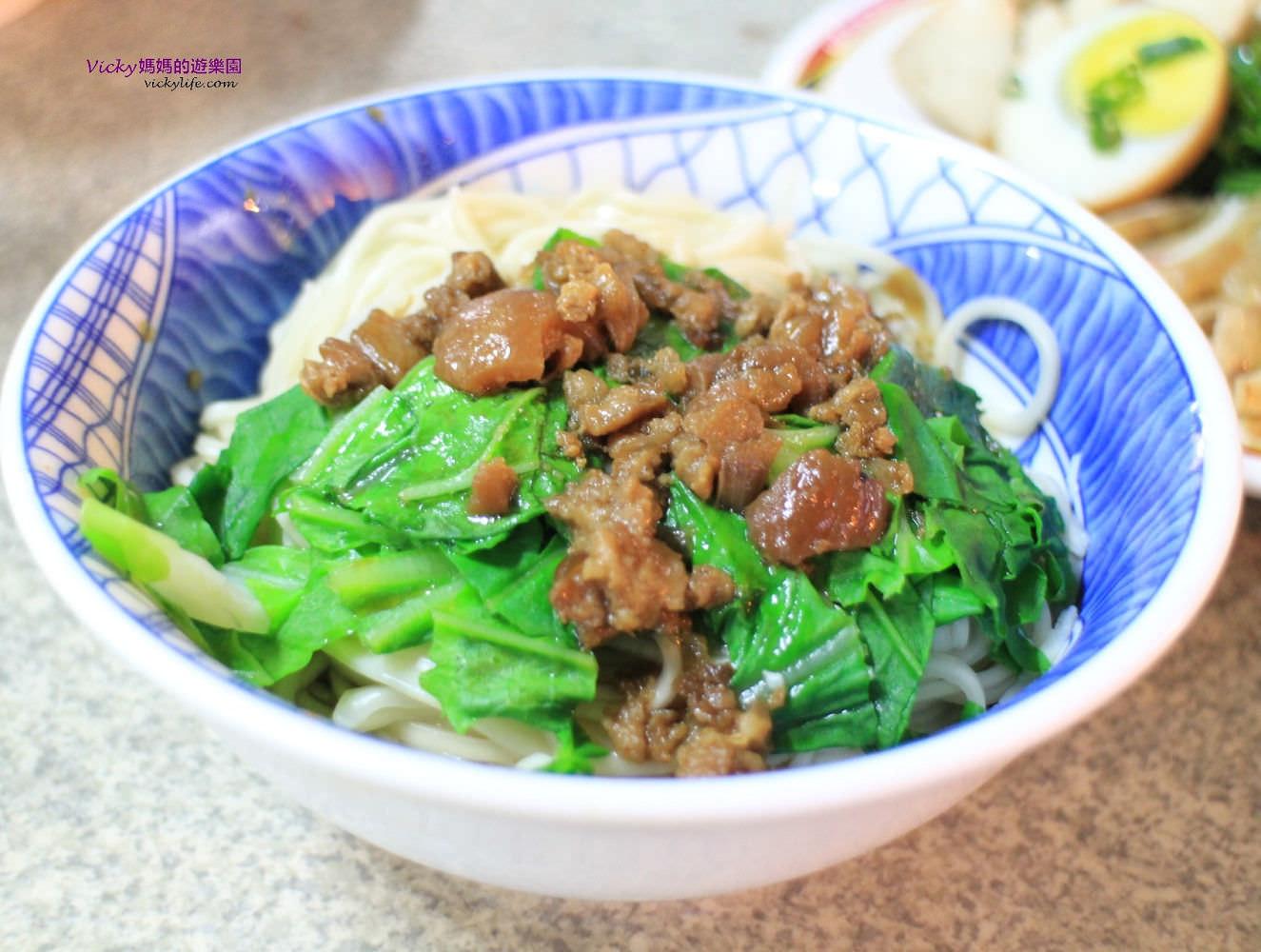 台南好吃麵店︱北門路無名麵店,又稱阿婆麵店:越晚越多人,主餐區客滿還有第二用餐區喔