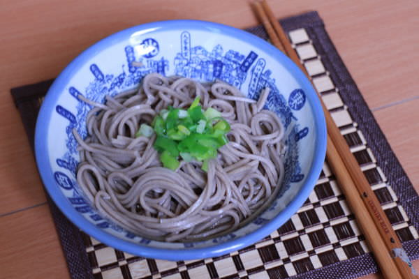 美麗廚房‧涼夏餐點-馬鈴薯番茄沙拉X懶人蕎麥麵(2015-03)