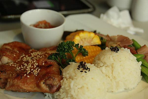 台南東區~Quinny Café(龍Bobe 34W+3)