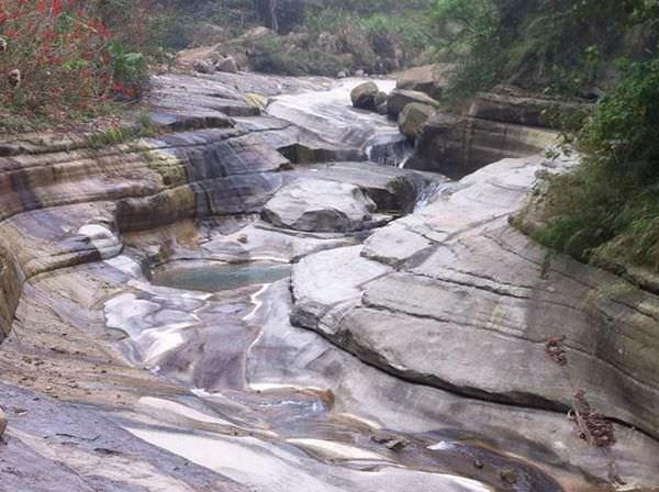 雲林古坑~萬年峽谷‧讚嘆大自然的力量