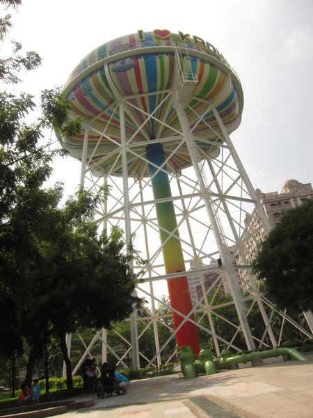高雄景點︱苓雅自來水公園:好繽紛、好有意境的公園,還有自來水表演秀