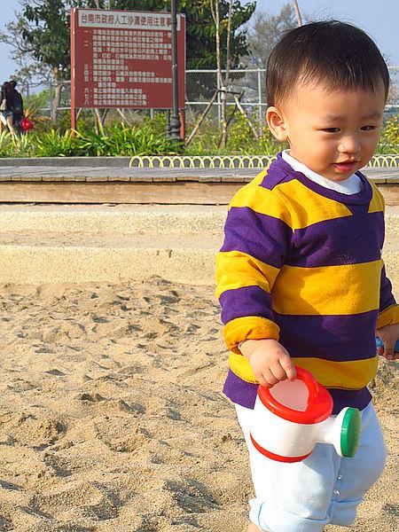 台南景點︱安平夕遊出張所:孩子玩沙玩水、大人用力尋找專屬的幸運顏色,然後一起吃鹽蛋,就是要醬幸福過生活